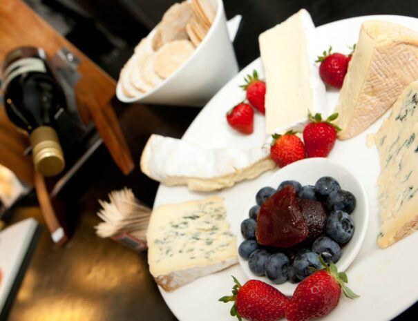 Chauffeured Cheese and Wine Tour with 2 Course Lunch (5)