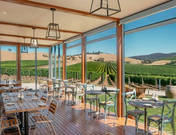 Yarra Valley Private Tour with Lunch and Cocktails - For 2